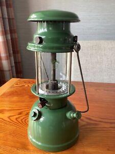 BIALADDIN MODEL 305 PARAFFIN OIL LAMP LANTERN.