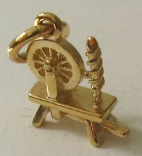 SOLID 9ct YELLOW GOLD 3D ANTIQUE SPINNING WHEEL SEWING CHARM/PENDANT