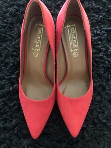Red Low Heel Court Shoe Size 8AU