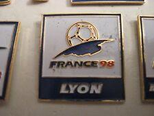 RARE OLD 1998 FRANCE FOOTBALL WORLD CUP LYON SQUARE METAL PRESS PIN BADGE