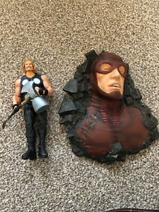 "Marvel Diamond Select Ultimate Thor 7"" Action Figure with Giant-Man Base"