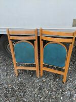 pair vintage folding chairs LB100120G