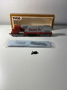 HO Scale Mantua Tyco Santa Fe #4301 ALCO C430 Diesel Locomotive Train