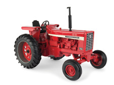 International Harvester 756 1/16 Scale Die-Cast Metal Replica Ertl Tractor Toy