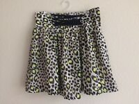 H&M Divided black and green Leopard Print Skater flare Skirt Size 6. EUC.
