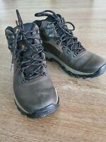 Columbia Men's Newton Ridge Plus II Waterproof Hiking Boot Size 8