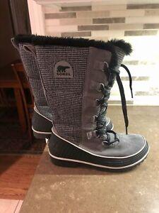 New Sorel Warm Winter Boots Suede & Grey Herringbone Fabric Faux Fur Lined 10