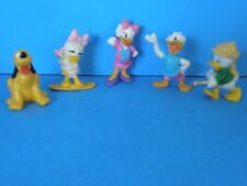 ASSORTED LOT OF 5 DISNEY PLASTIC TOYS FIGURINES-GOOFY, DONALD AND OTHERS