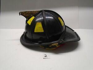 Cairns 1044 Fire Helmet - 2