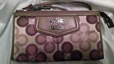 COACH Madison Taupe Brown/Mauve/Purple Clover Sateen Wristlet Wallet