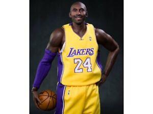 NBA Real Masterpiece Kobe Bryant Ver. 2.0 1/6 Scale Figure enterbay (base Worn)