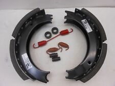 "4223A, 805677 BRAKE SHOE KIT (2 SHOES & HARDWARE KIT) 16 1/2""X5"""