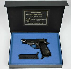 PISTOL GUN PRESENTATION CUSTOM DISPLAY CASE BOX for BERETTA  m 70 PUMA .32 .380