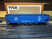"Tyco 344D- HO Scale 70 ton Non-Operating Quad Hopper ""BOSTON & MAINE"""