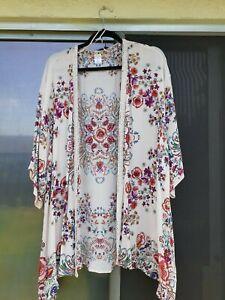 Bila Floral Cream Kimono with crochet trim M/L