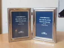 """DOUBLE HINGED SILVER PLATED FREESTANDING TABLE PHOTO FRAME-TO FIT 6"""" x 4"""" PHOTOS"""