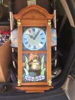 VINTAGE Crown Court Quartz Westminster Chime Wall Clock