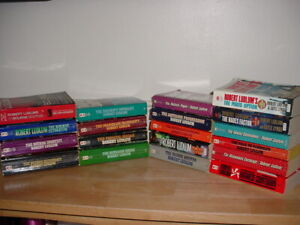 Lot of 19 Robert Ludlum paperback books Jason Bourne , Thriller & Spy Novels