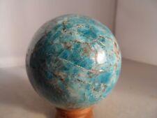 sphère en apatite bleue de 0.635 kg diametre 7.2 cm de Madagascar 1a6