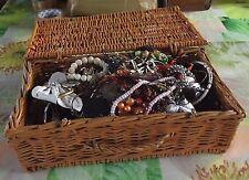 Gros lot de Bijoux Fantaisies Collier Bague Bracelet Boucle d'oreilles 4900 Gr.