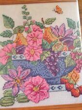 Tazón de fuente de fruta Floral Gráfico de punto de cruz