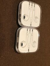 New listing Apple EarPods with Remote and Microphone - White—set Of 2