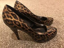 Sexy / Beautiful Leopard Print Hign Heels By steve Madden Size 6
