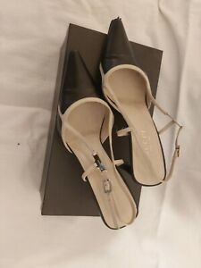 Womens gucci shoes size 6