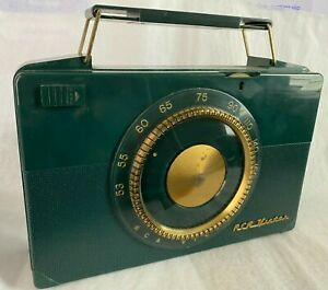 Vintage 1952 RCA Victor Tube Radio, Model 2B403 (Green), Portable, With Case