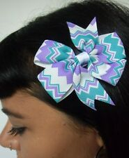 Pince clip cheveux noeud zigzag rayures pastel violet vert coiffure pinup rétro
