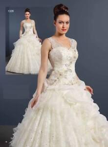 SPARKLY BEADED PRINCESS WEDDING DRESS 12 - check measurements