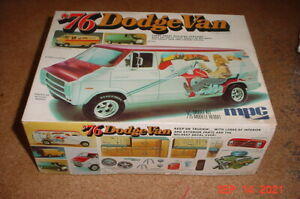 Vintage MPC 1976 Dodge Van Custom 1/25 Plastic Model Parts or ?