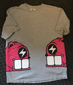 Kidrobot Reach Bear Mens XL T-Shirt Side Prints
