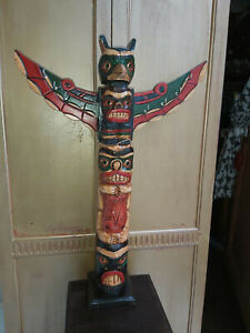 LARGE HAND CARVED & PAINTED SOLID WOOD TOTEM POLE