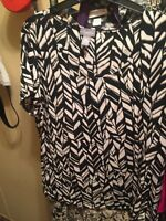 Chico's  Travelers thier sz 2 (12/14) acecate blend black white design
