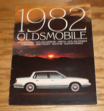 Original 1982 Oldsmobile Full Line Sales Brochure 82 Toronado Cutlass Delta
