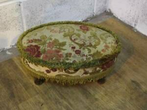 1980's REPRODUCTION MATERIAL FLORAL FOOT STOOL.