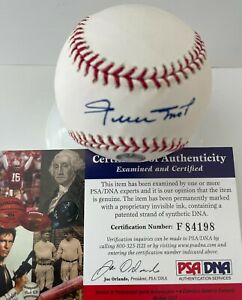 Willie Mays Autographed Official MLB Baseball PSA/DNA Giants