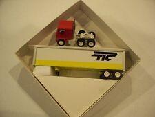 TIC 1986 TRACTOR TRAILER DIECAST WINROSS TRUCK