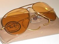 CIRCA 1980s 58mm VINTAGE B&L RAY BAN WRAP-AROUNDS AMBERMATIC AVIATOR SUNGLASSES
