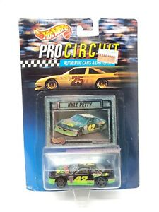 HOT WHEELS PRO CIRCUIT KYLE PETTY 1/64 SCALE DIECAST NEW