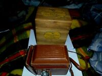 VINTAGE CAMERA RICOH- FLEX SUPER TWIN LENS 2&1/4 X 2&1/4 LENS WITH WOOD BOX