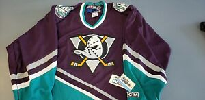Vintage Anaheim Mighty Ducks 90s Logo CCM  Size Men's Medium  NEW with tag