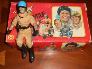 Vintage 1980 Mego Chips Free Wheeling Motorcycle + Ponch Action Figure