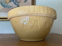 """Antique Primitive 8"""" Yellow Ware Bowl 68 Picket Fence Inverted Pyramids Ruckels?"""