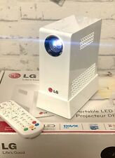 Top ! portabler LED Beamer mit Akku , LG PG60G mit komplettem Zubehör, wie Neu !