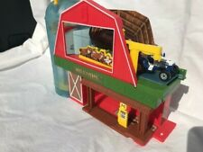 Matchbox City Farm Play Set Barn with Tractor in Excellent Used Condition