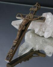 Altes Sterbekreuz - Brustkreuz Metall - Holzeinlage Jesusfigur u. Totenkopf !!!