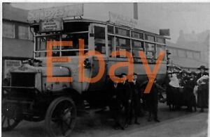 B/W bus photo - United Autos LGOC / ECOC AH 0602 = A 105