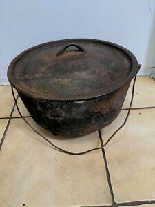 "Metters 14"" inch Australian Vintage cast iron camp oven( cracks)"